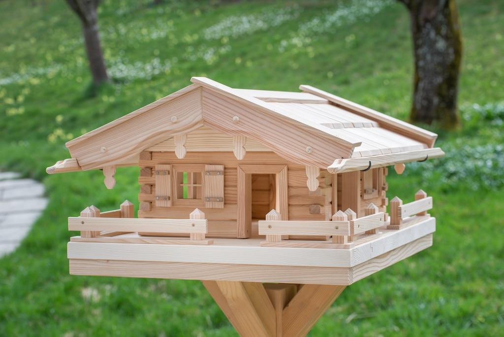 was kommt ins vogelhaus original grubert vogelh uschen. Black Bedroom Furniture Sets. Home Design Ideas
